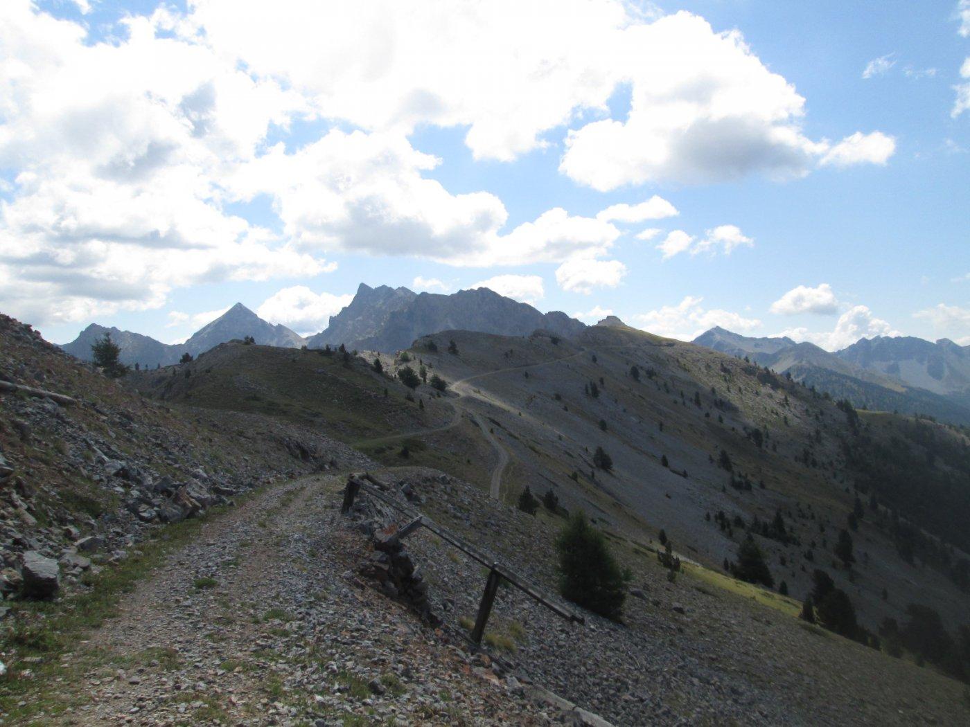 il lungo traverso per raggiungere la quota 2.512 m