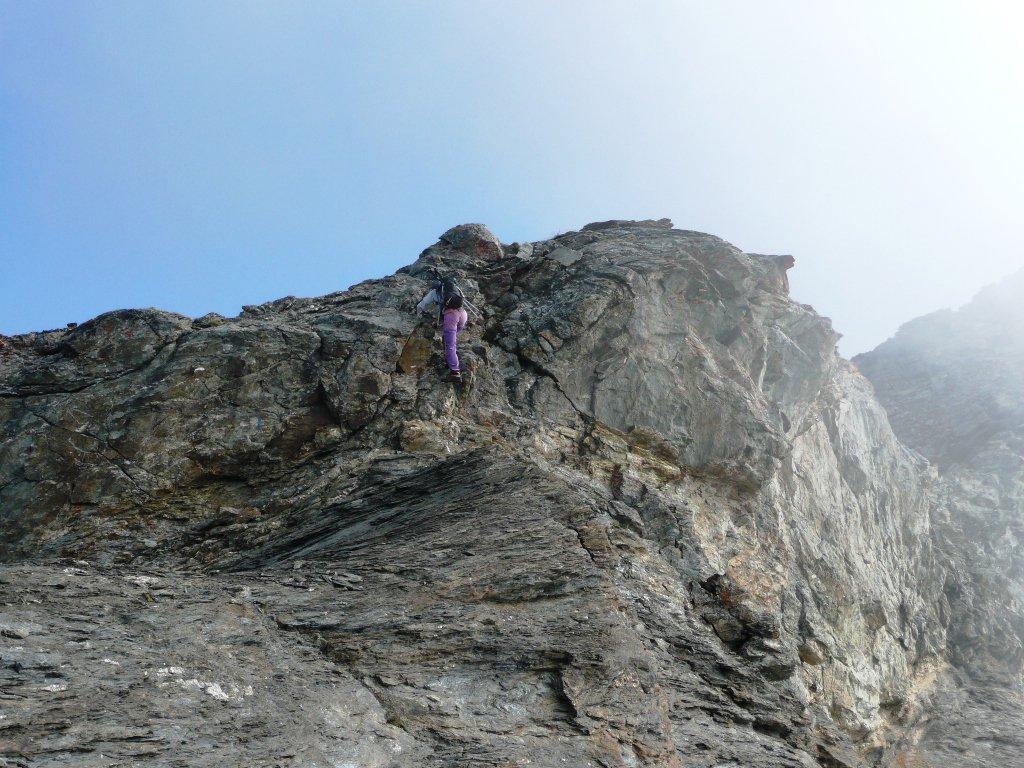 Tratto di facile cresta aggirabile per comodo sentiero