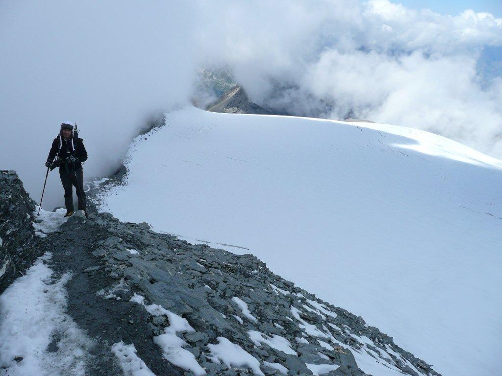 Qui comincia a impennarsi dopo il lungo traverso a bordo del ghiacciaio
