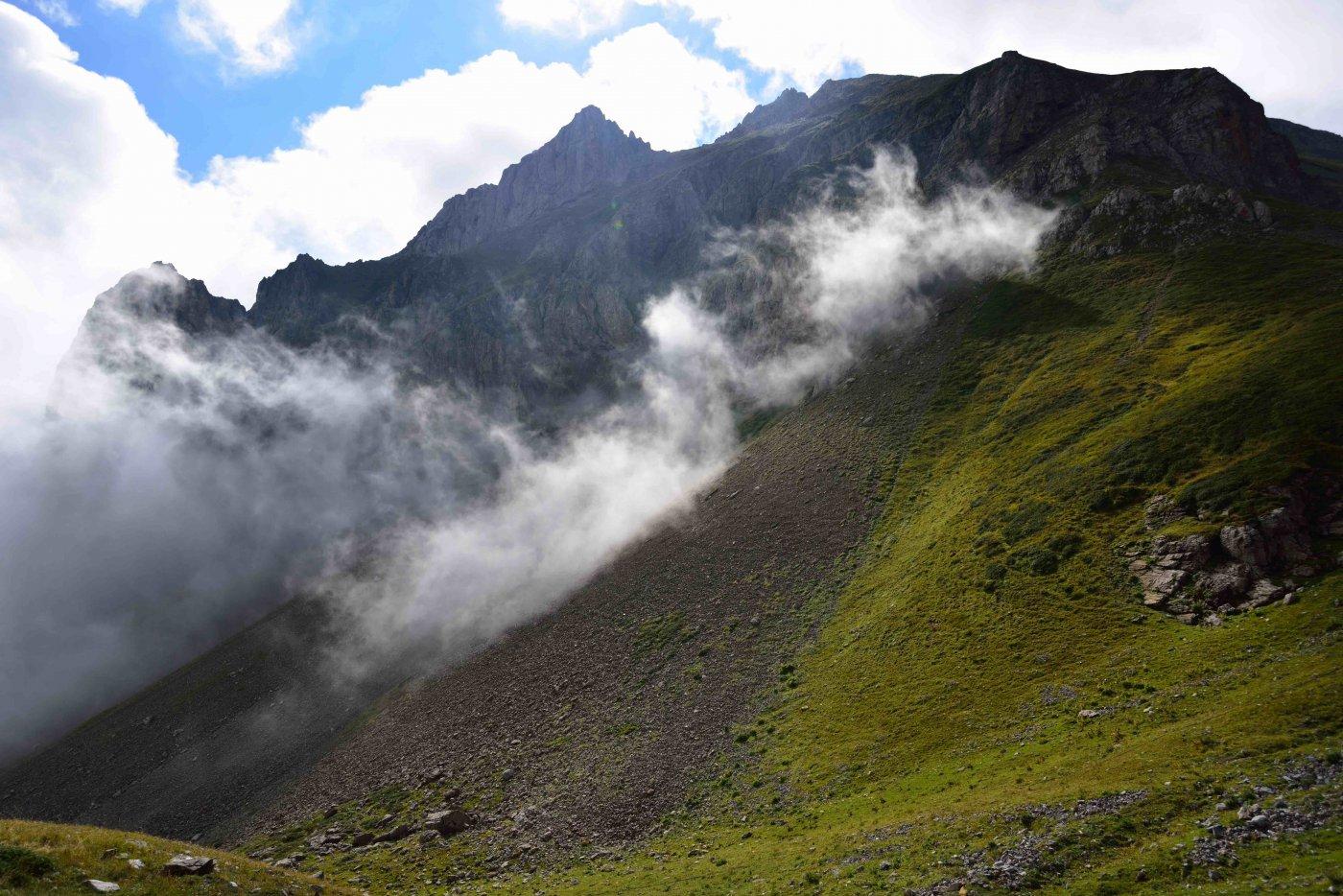 Il Monte Savi salendo al Colle Serour.