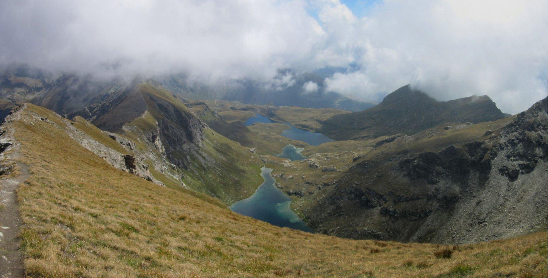 La cresta a sx e i laghi Palasina