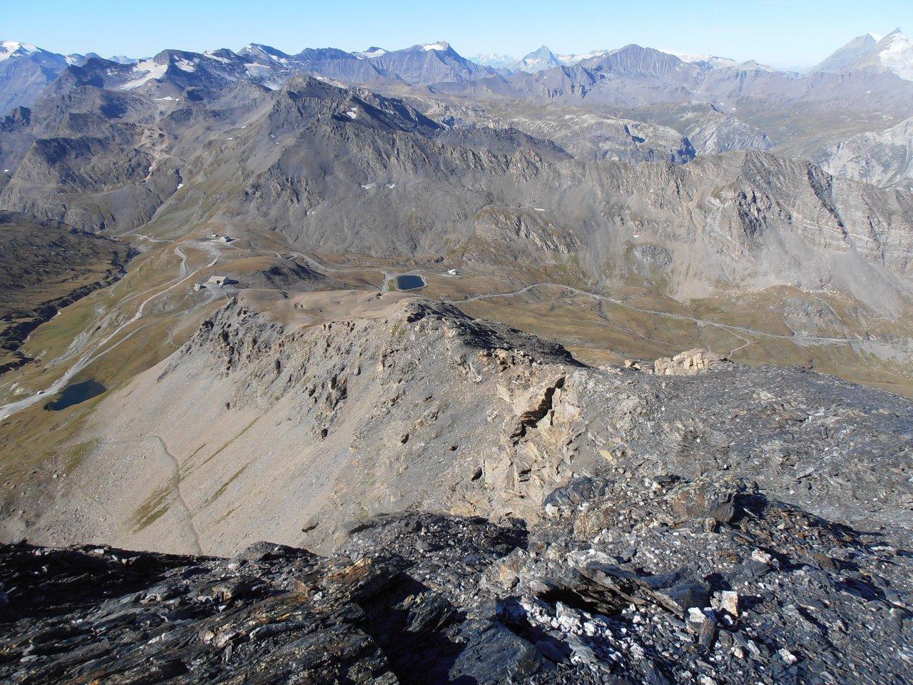04 - la cresta dalla cima verso il Colle dell'Iseran