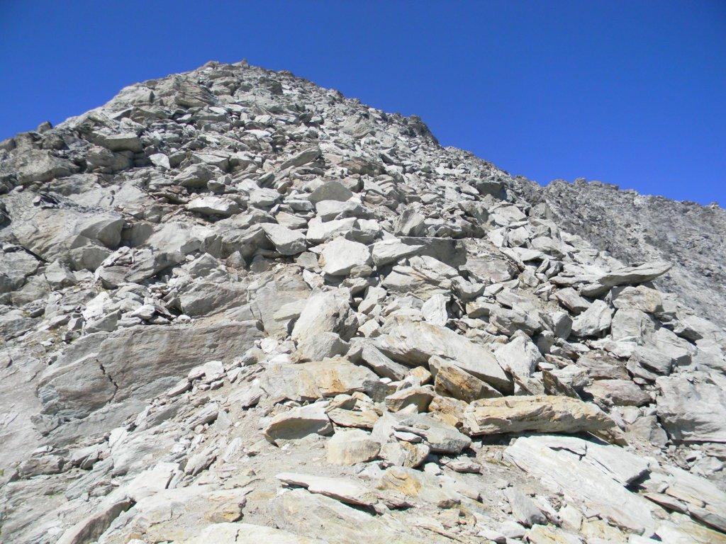 il Gran Roc dal suo colletto con la pietraia di salita