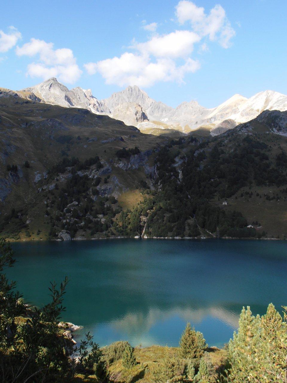 08 - Dent Parrachée che si specchia nel lago di Plan d'Amont