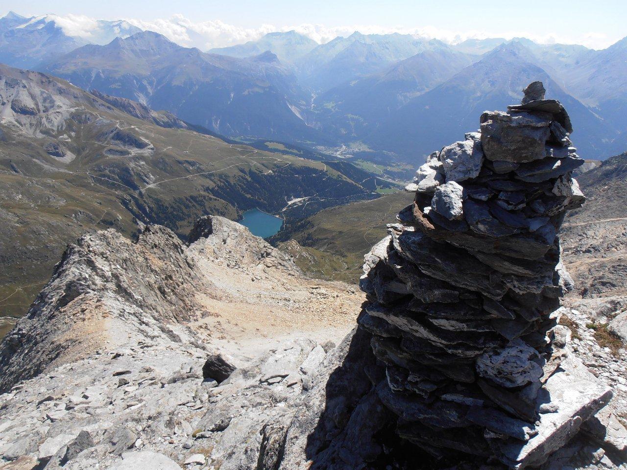 01 - dalla cima del Gran Roc guardando verso il lago di Plan d'Amont, punto di partenza