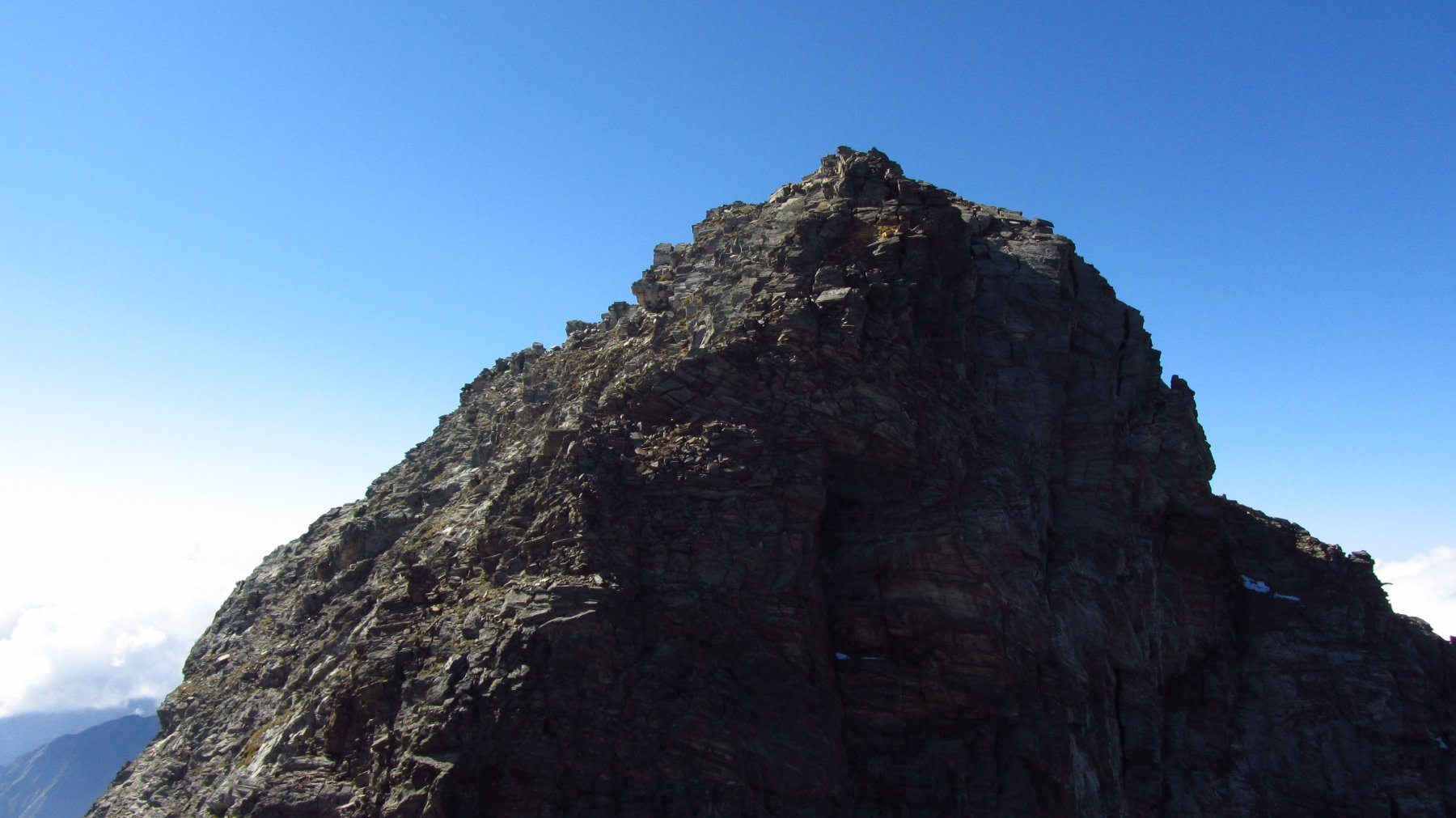 La cresta nord est alla punta nord