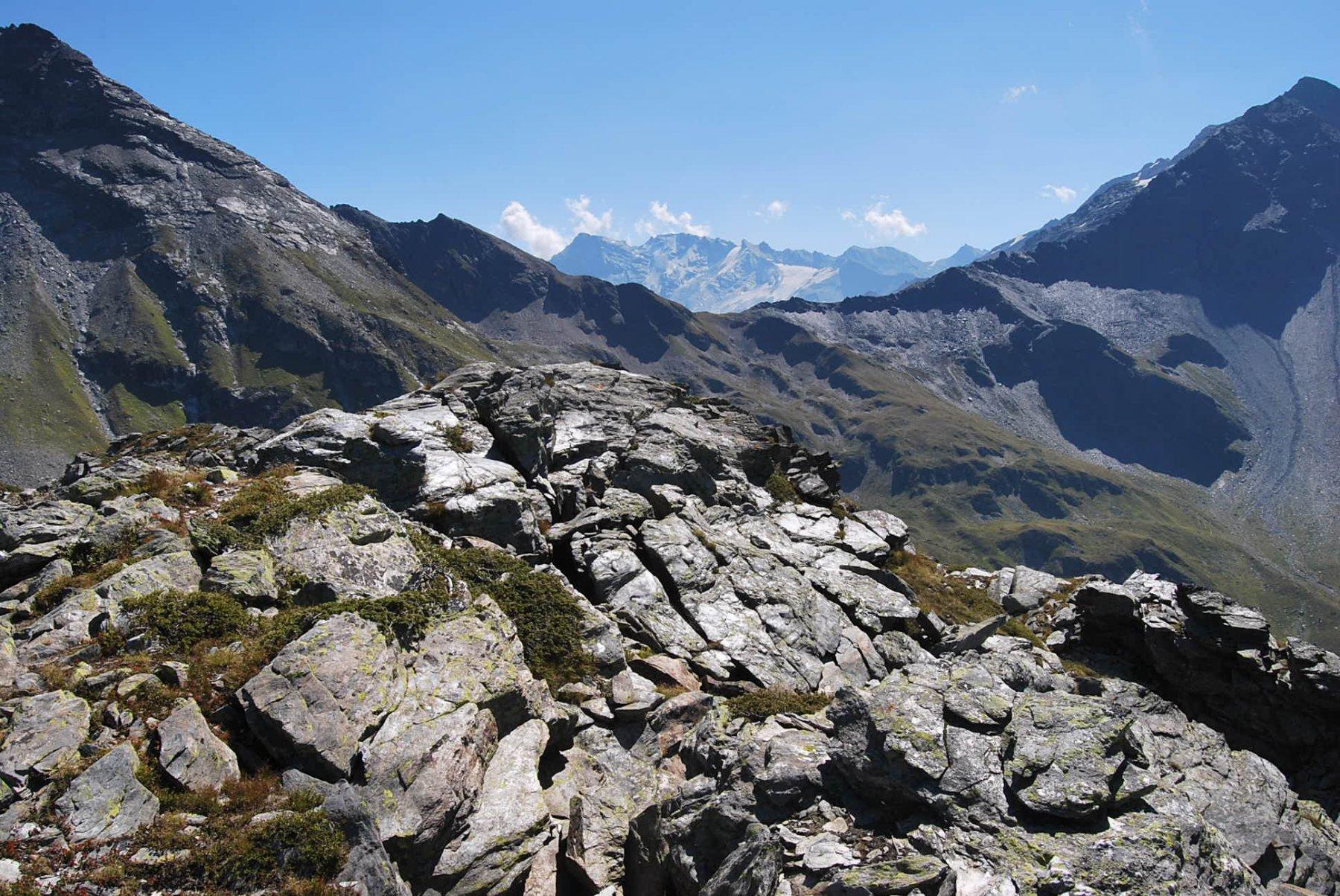 Il Col du Mont, la prossima destinazione, visto dalla sommità dell'Arete de Montseti