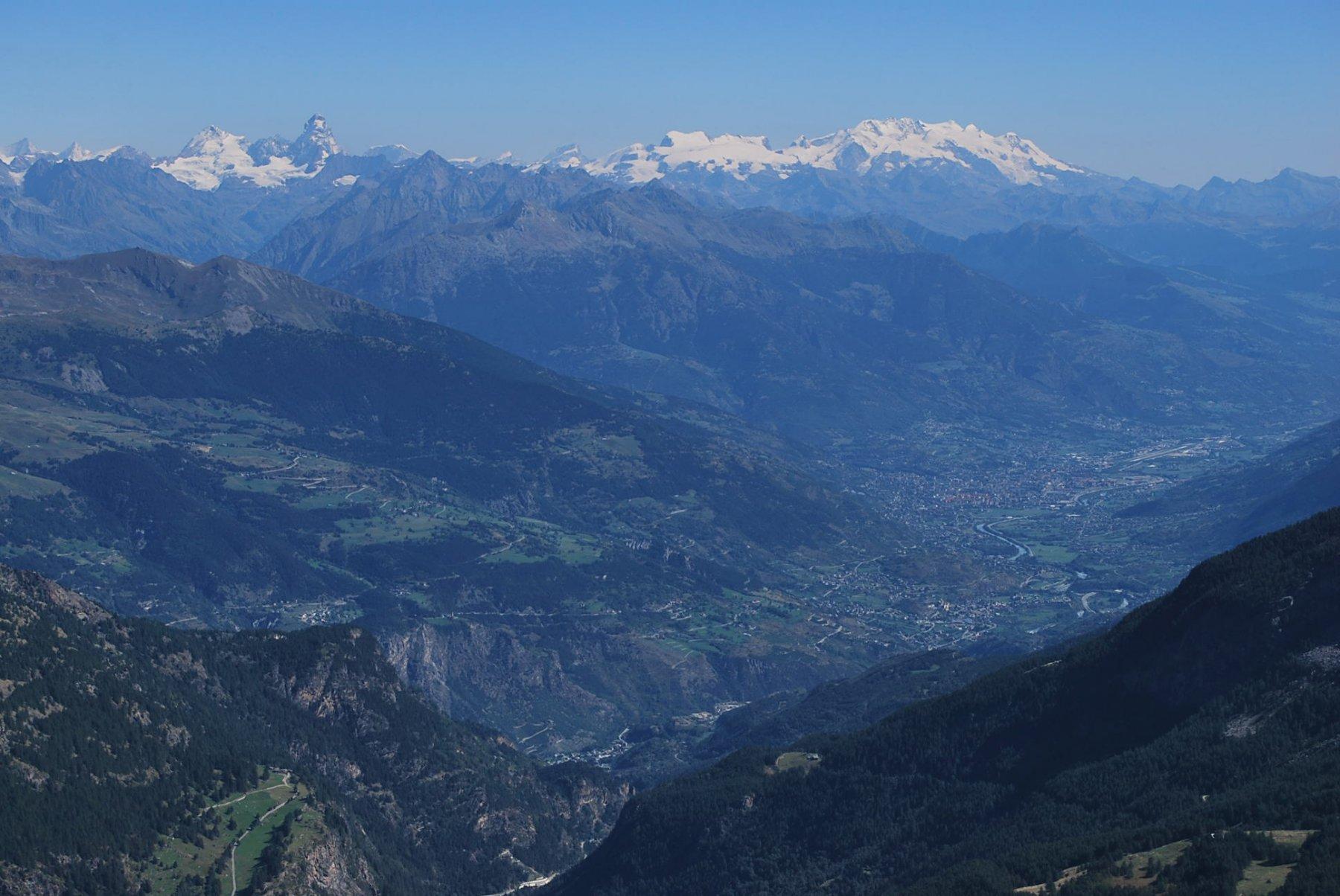 Dalla vetta: Val d'Aosta, Cervino e Monte Rosa