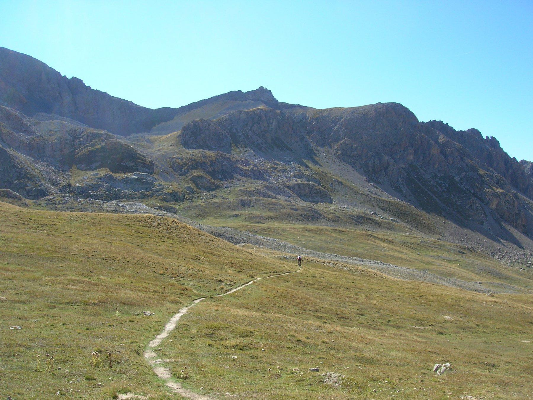 Discesa dal Colle Munie verso il Col de la Gypiére