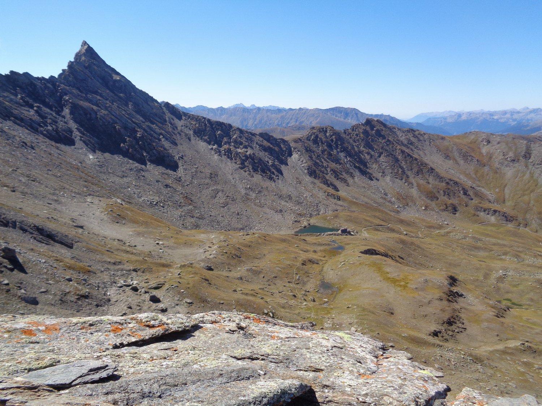 Bucie e rifugio lago Verde dalla cima