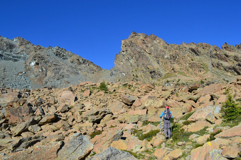 in direzione del Colle Giron, a destra l'omonimo monte