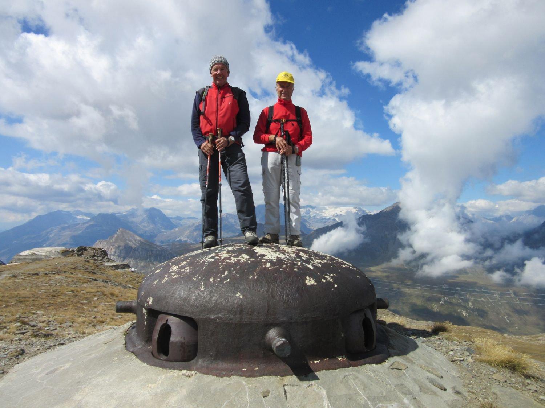 Giorgio e Sergio sulla torretta per mitragliatrici