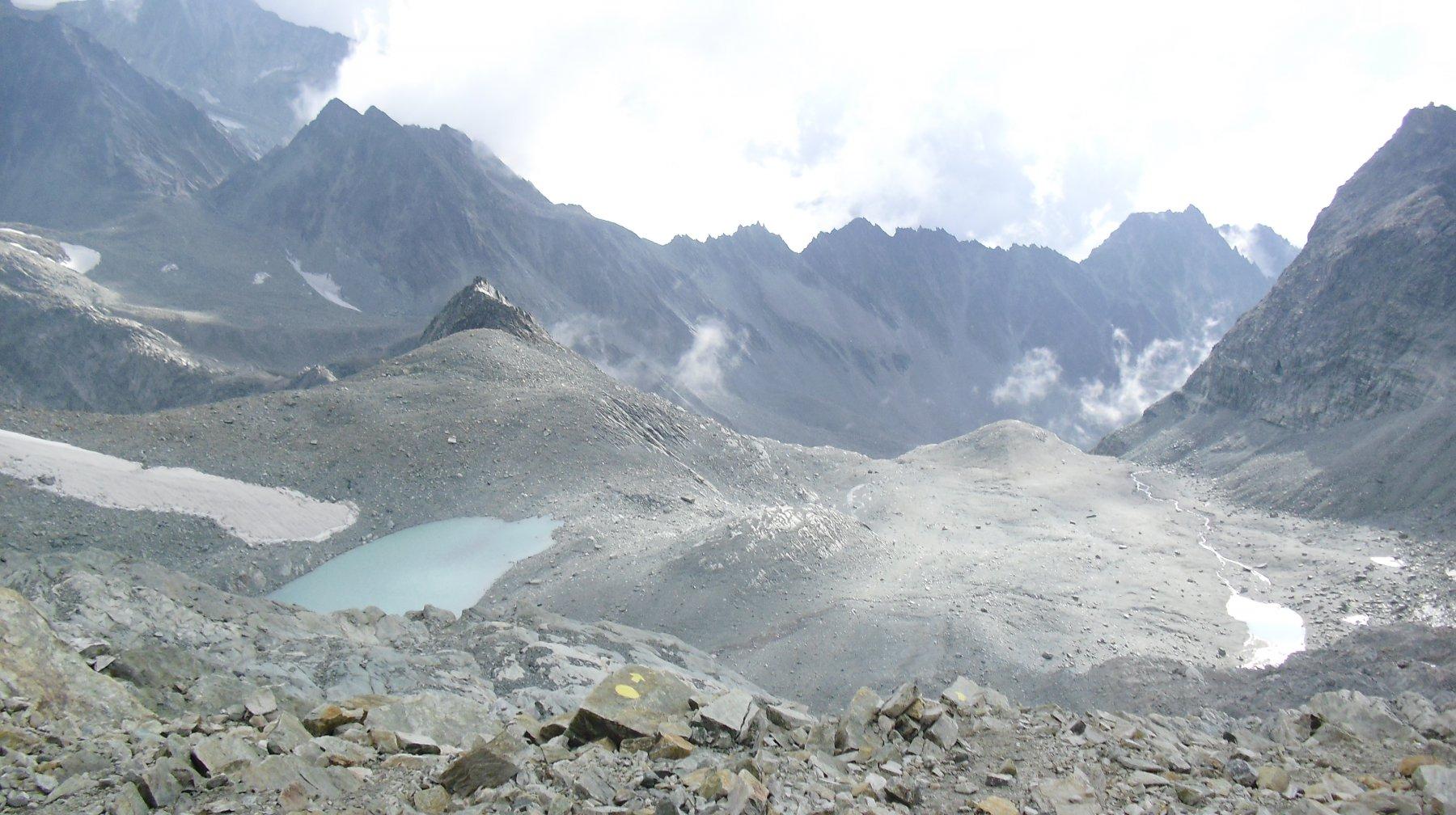 Il vallone di salita dal Colle del Mont Gele' (m.3180).