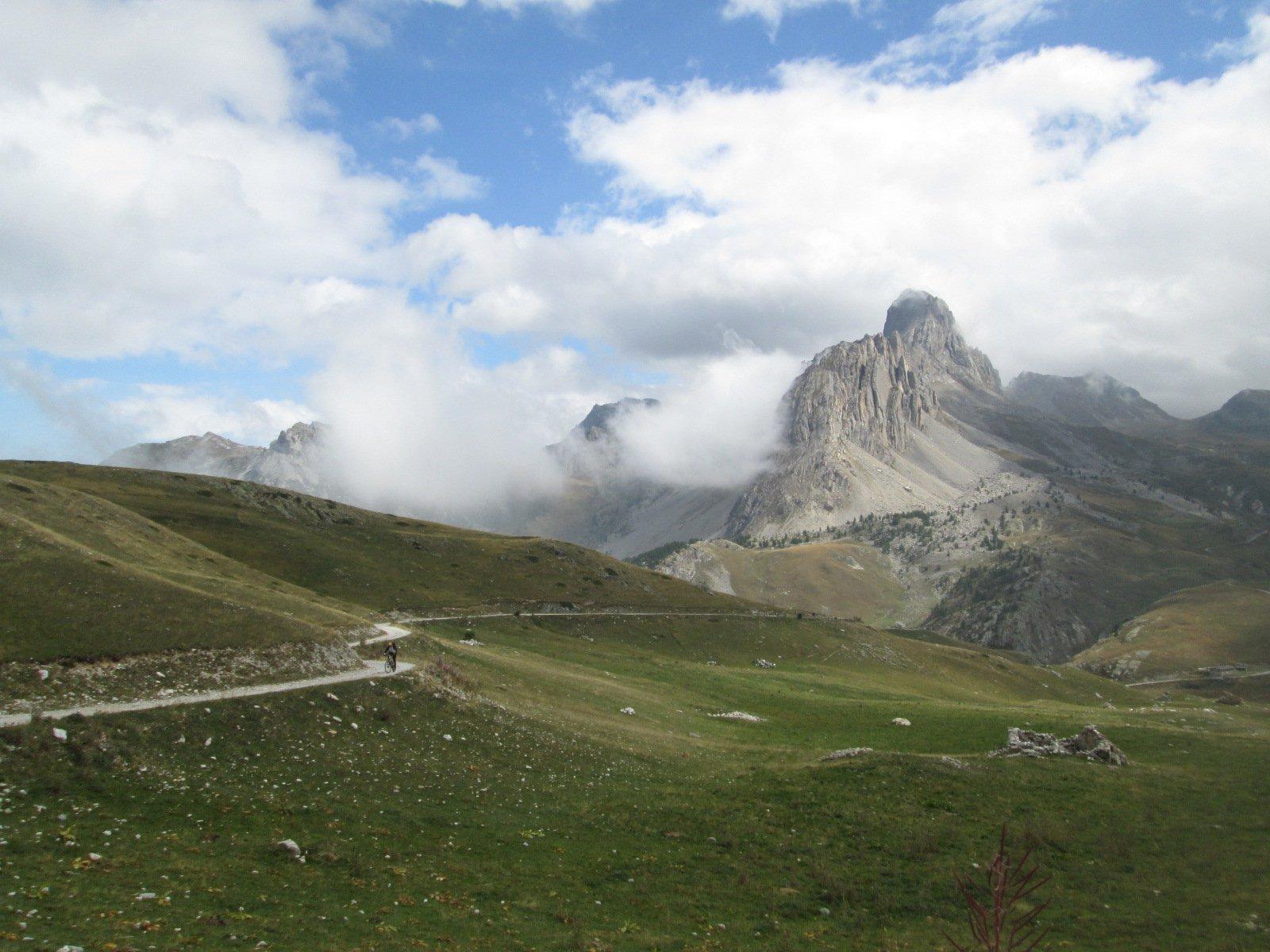 verso il Passo Gardetta con la Meja sullo sfondo...