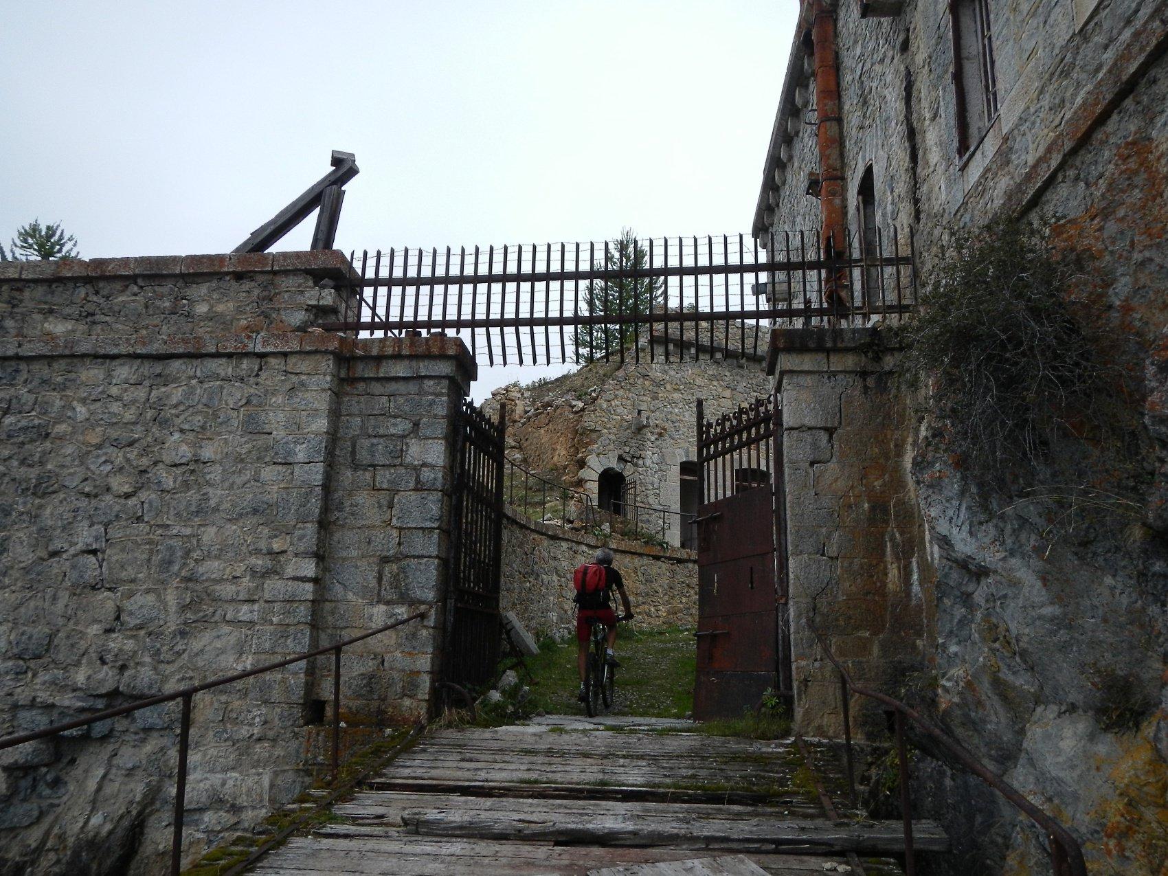 ingresso nel Fort de la Croix de Bretagne