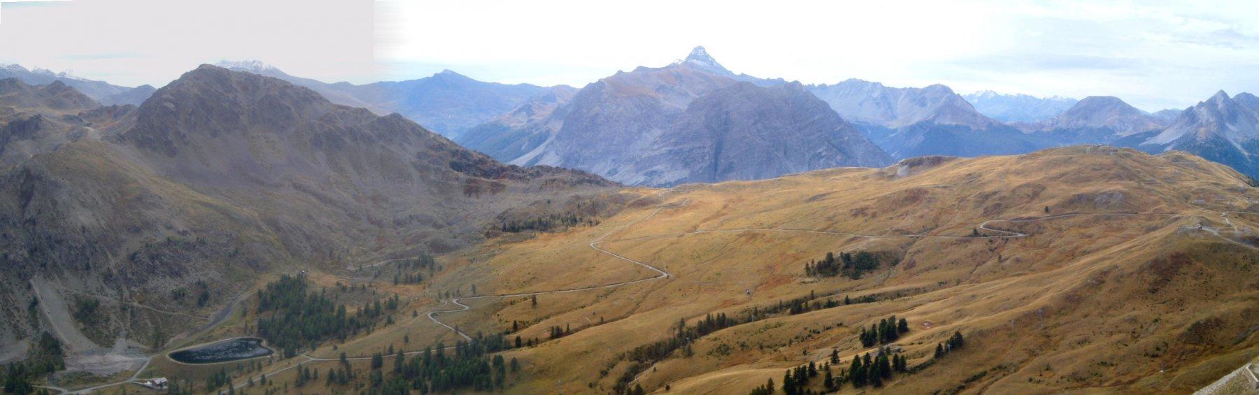 I campi da sci ed il Pic de Rochebrune.