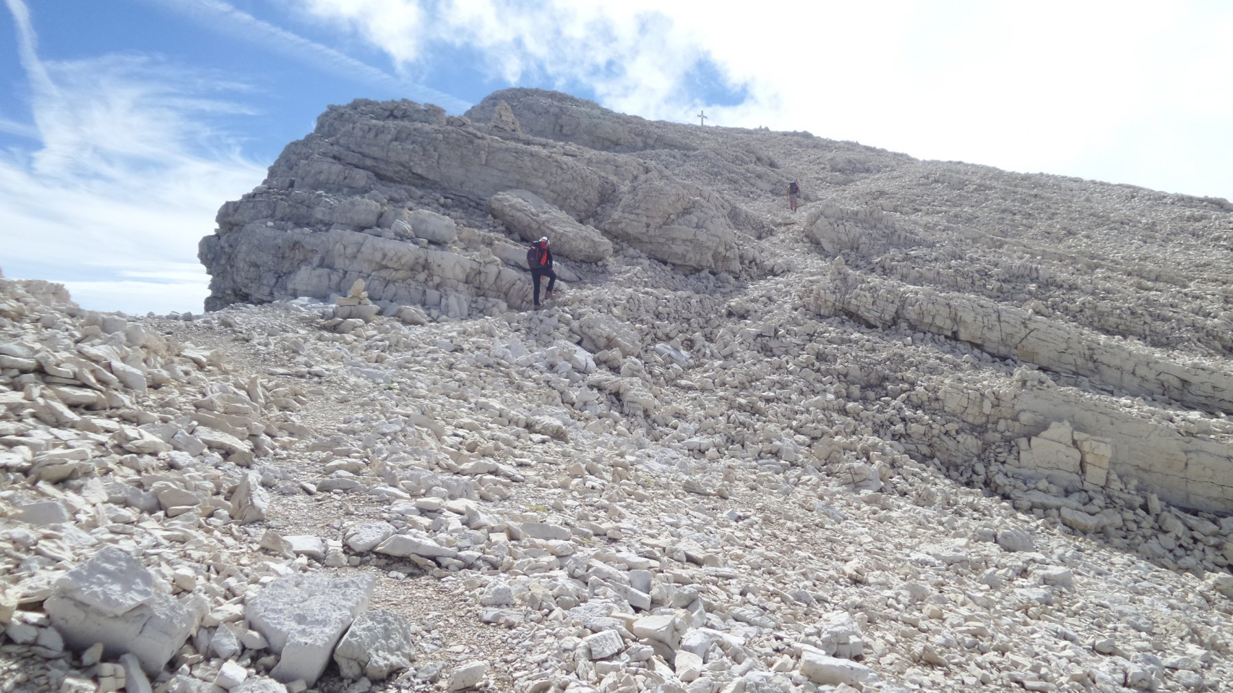 il facile tratto sommitale di cresta che porta in vetta al Popera (19-9-2015)