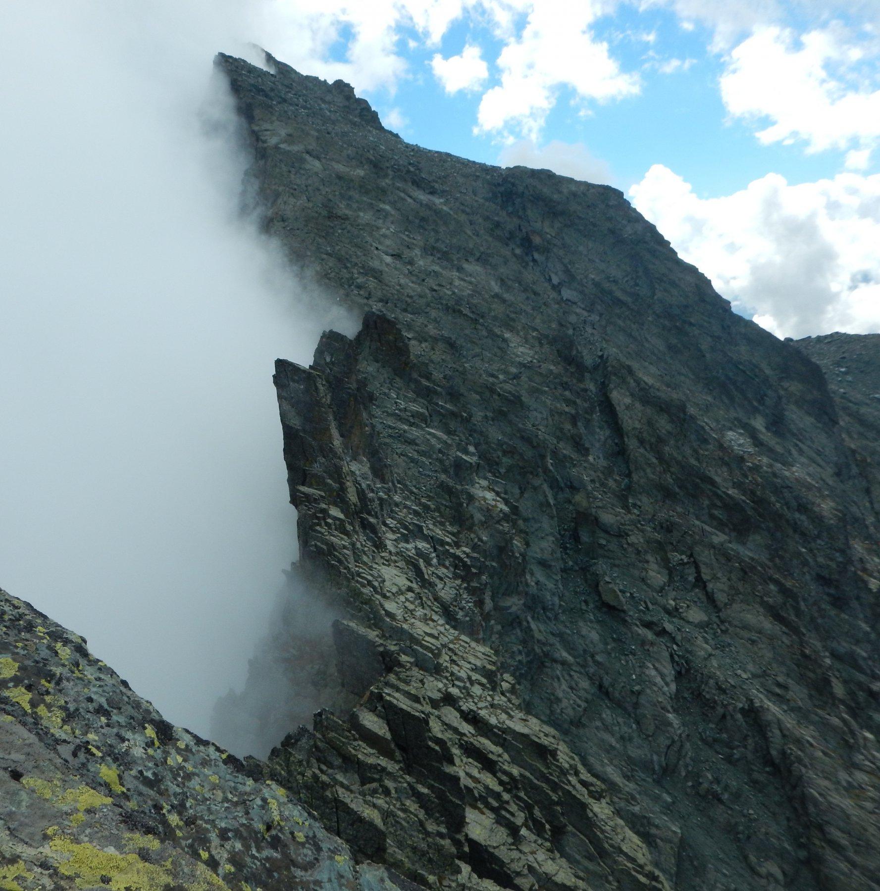 Tratto di cresta articolato poco prima di arrivare al Passo Giacoletti