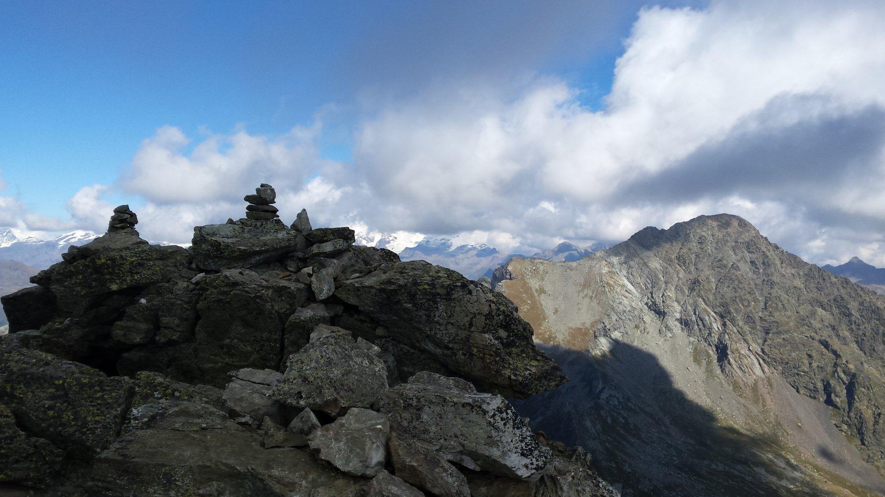 Dietro la cima il mont Nery