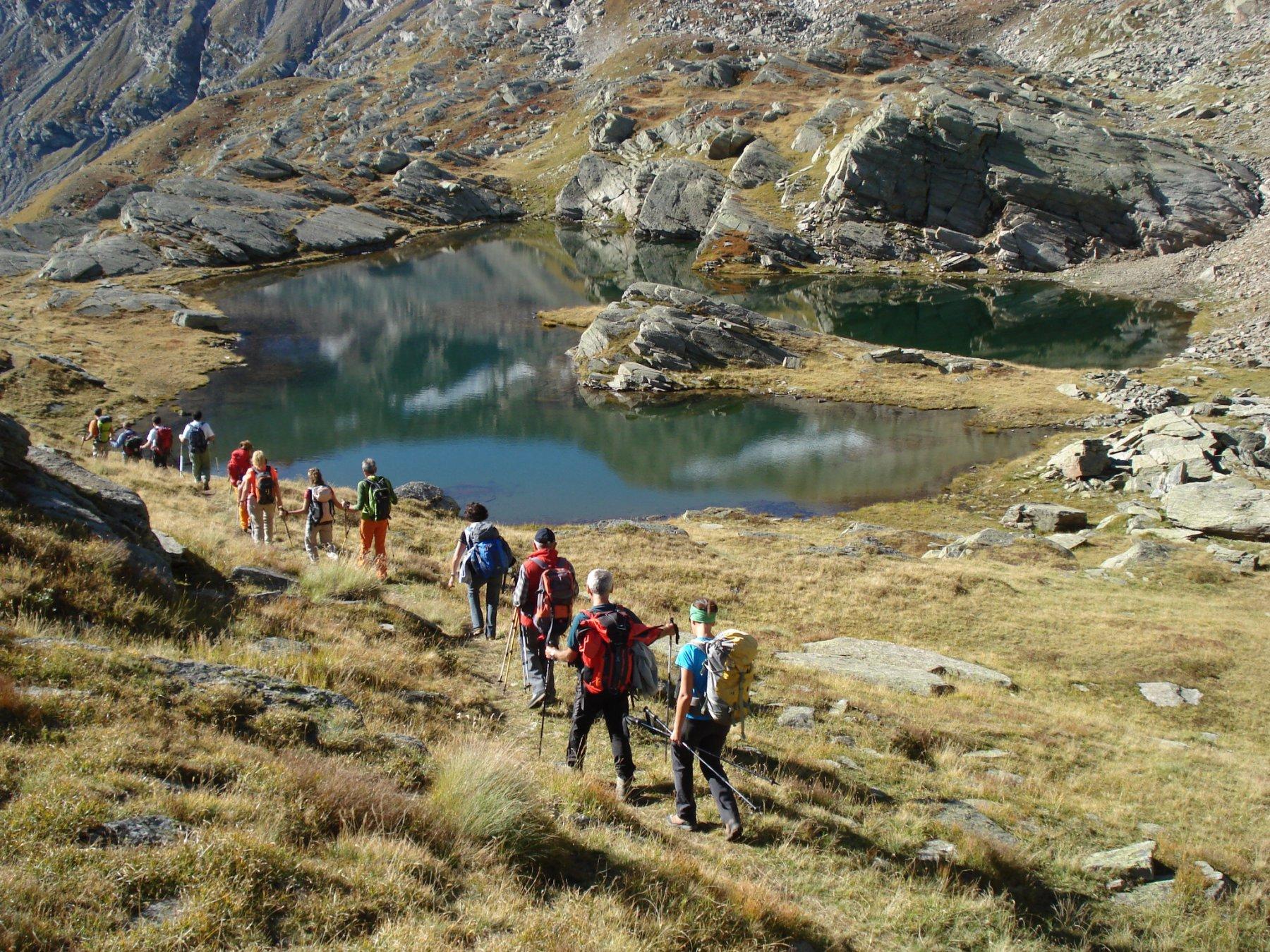 il gruppo del CAI Chivasso al lago delle Rocce