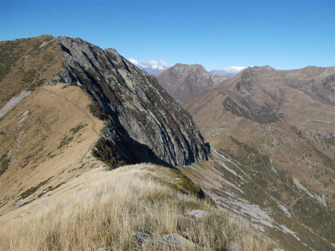 Pizzo dei Diosi e Bocchetta di Vald con al centro il Monte Togano