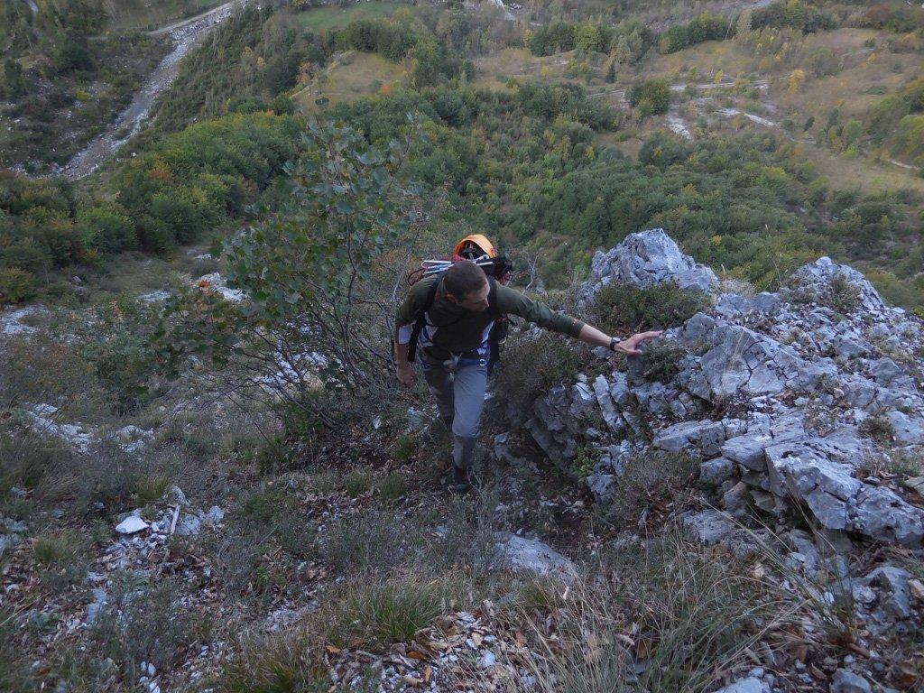 All'uscita del canale sopra i salti di roccia per aver saltato il sentiero a destra