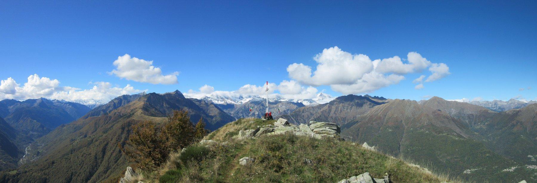 Panorama dal Pizzo Castello verso nord