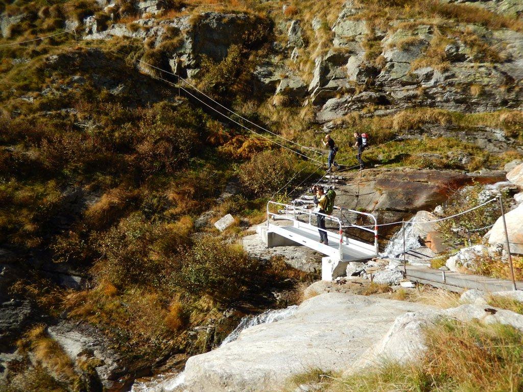 Lungo il traverso in quota, tra il secondo bivio e l'Alpe Roffelstafel