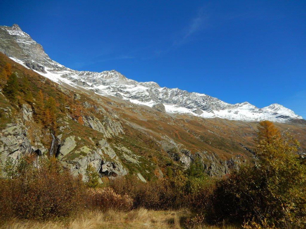 tratto di sentiero tra l'Alpe Roffelstafel e l'Alpe Fillar, ai piedi della morena del ghiacciaio