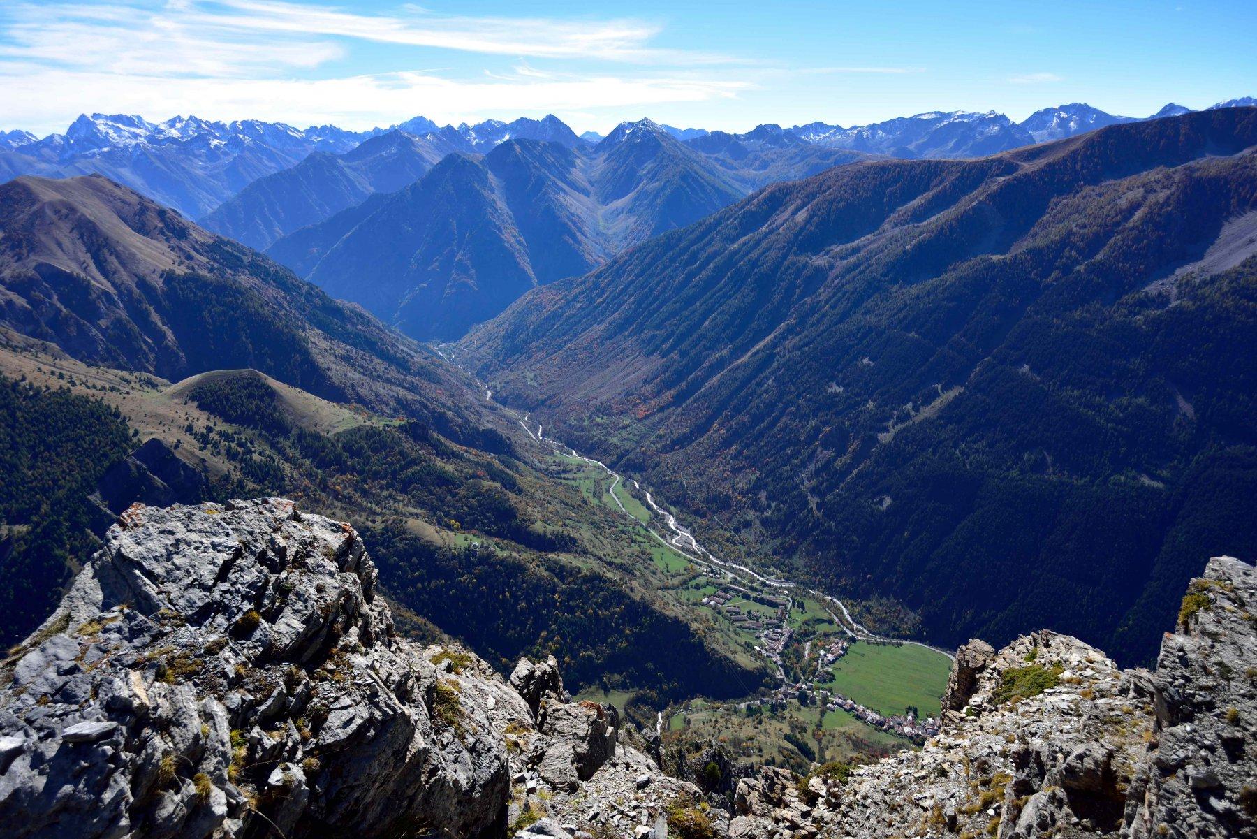 Panorama sulla Valle Stura dalla vetta.