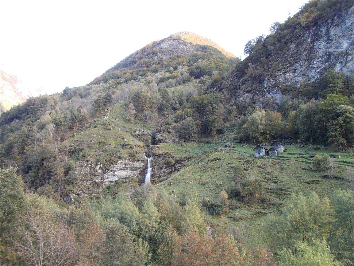 Ingresso Val Serenello: Rio Serenello e Alpe Pianello