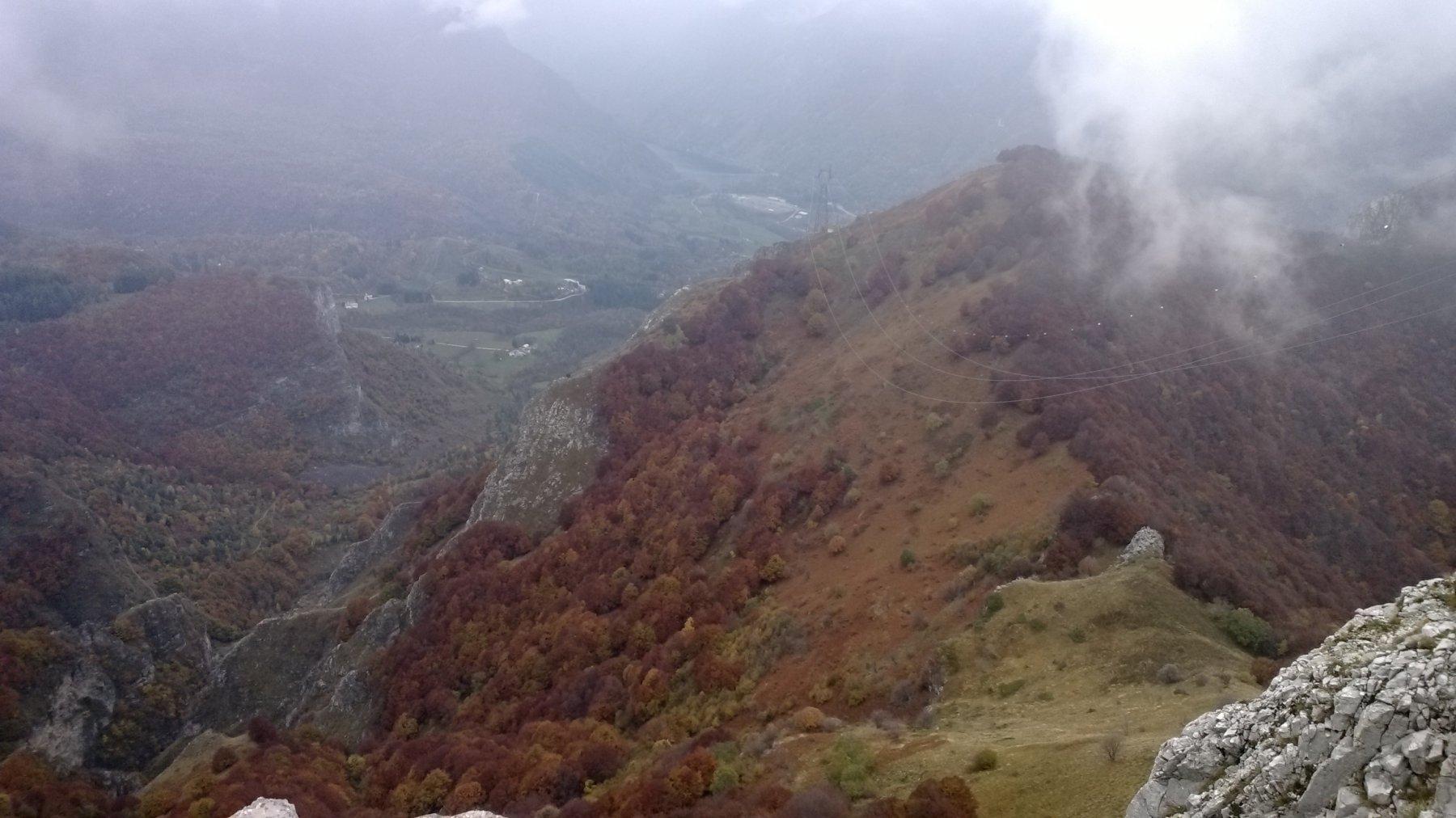 altro gran panorama sul versante Gorge della Reina e diga della Piastra