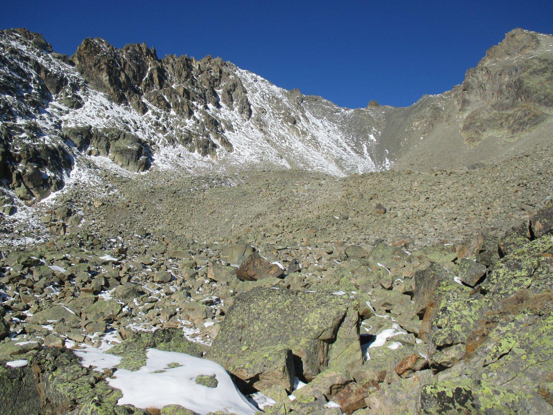colle del Berrio e parte di cresta sulla sx