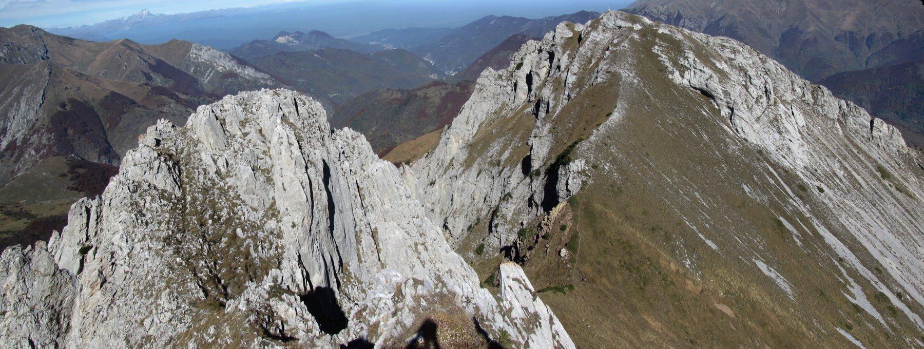 la cresta tra Bec Baral e Bec Matlas vista dalla cima del Matlas