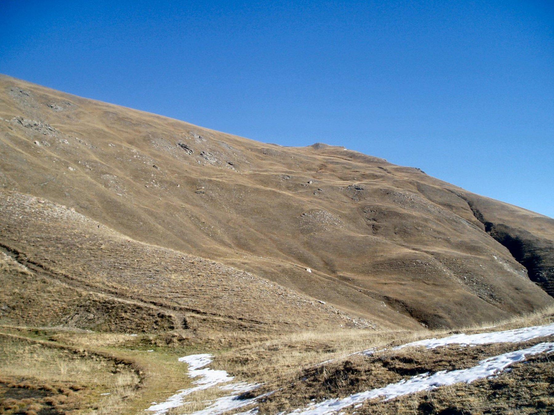 Il Monte Gran Costa dal Lago Lauson.