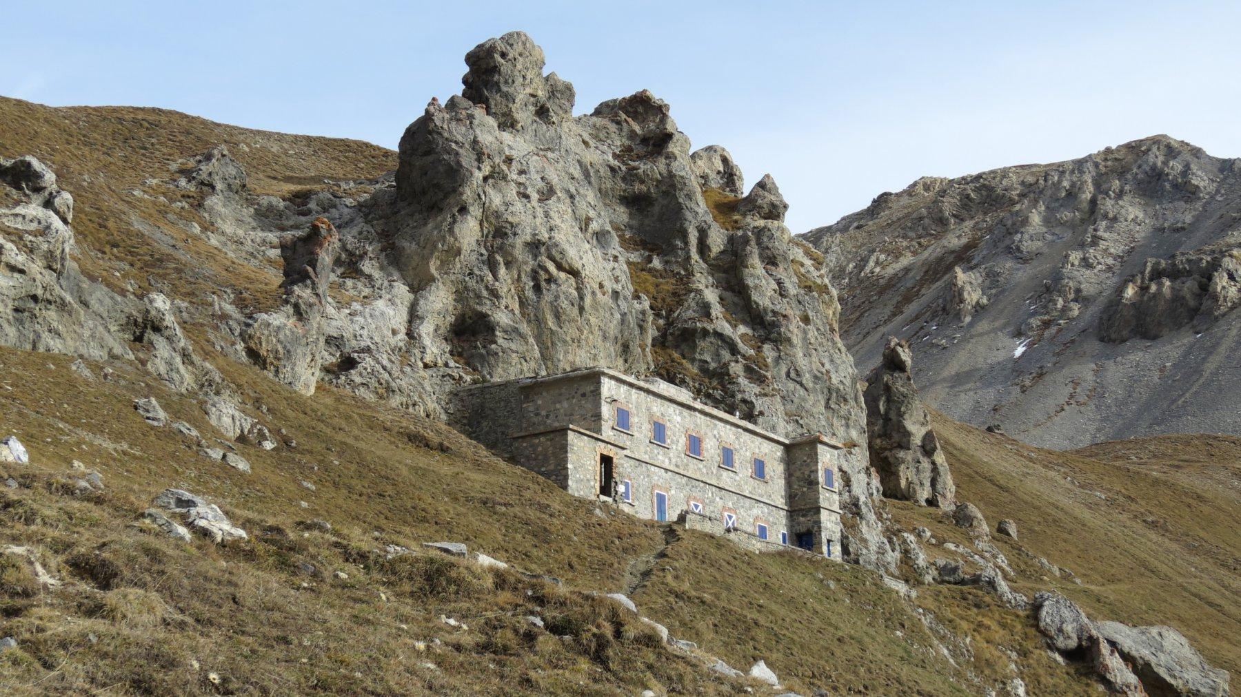 la casermetta del Pian dei Morti a 2290 m (24-10-2015)