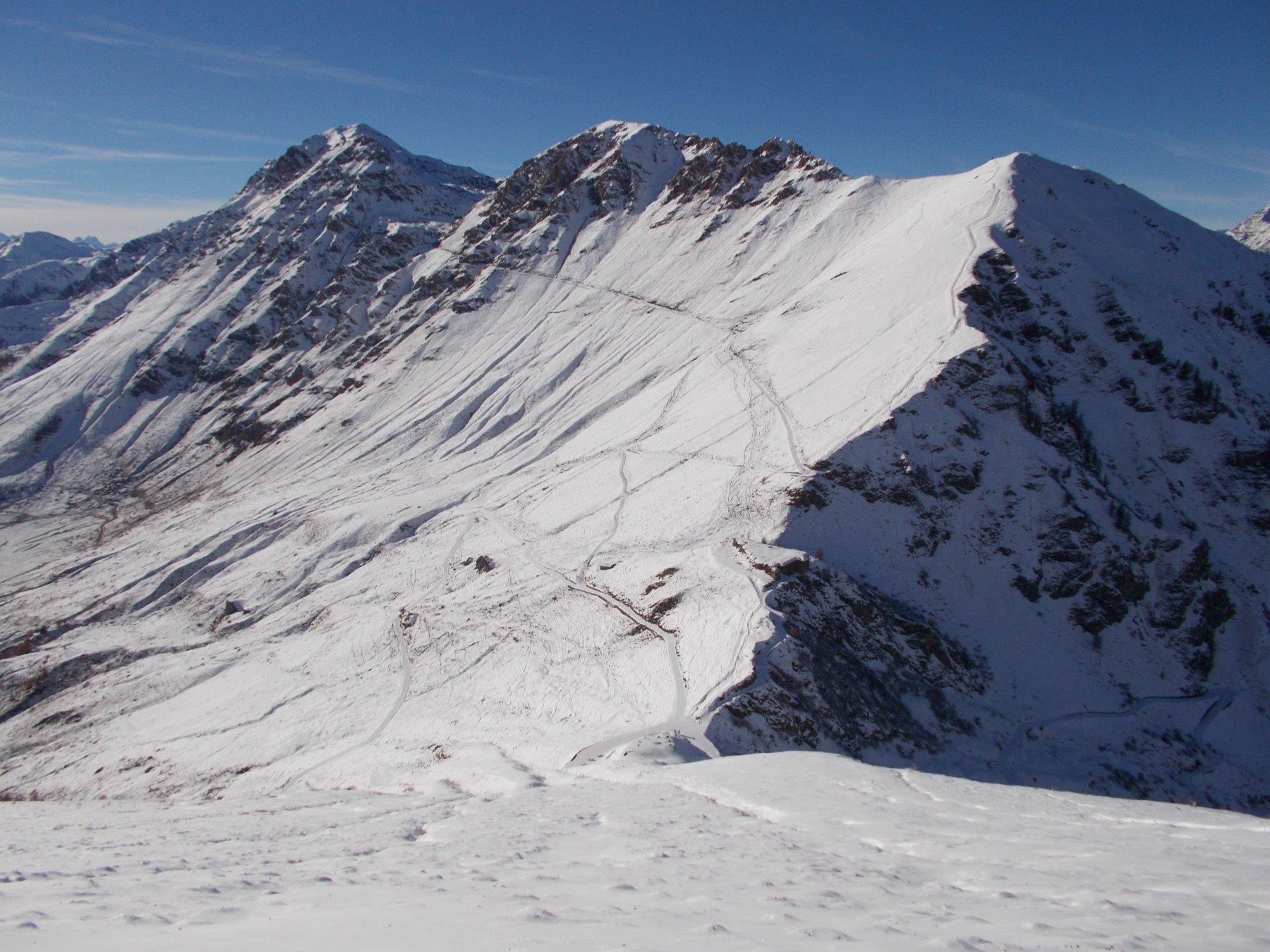 giu' dal pendio scialpinistico fino al Colle delle Finestre..