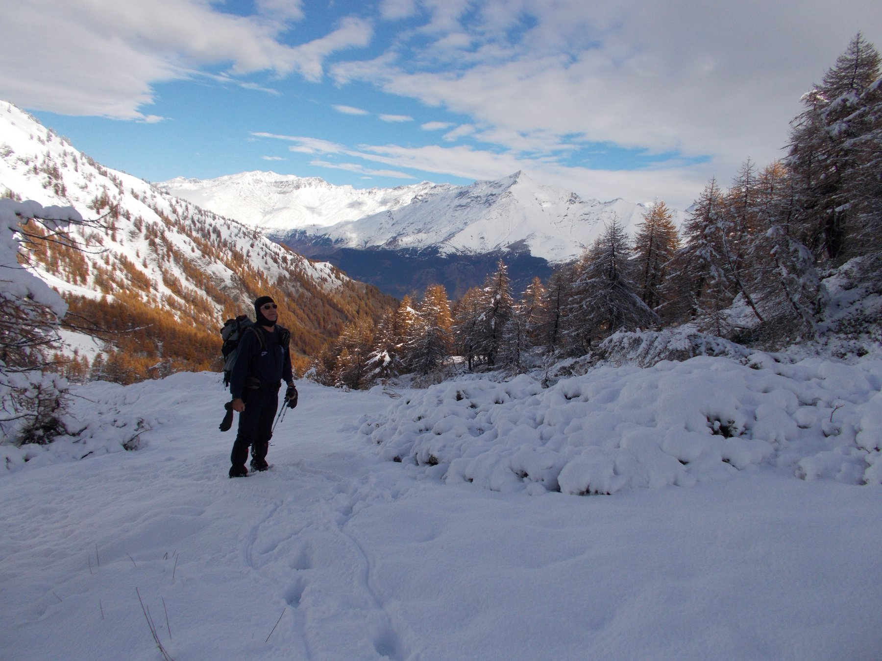 il Roccia da sfonto a un ormai tipico ambiente invernale dai 2000m in su..
