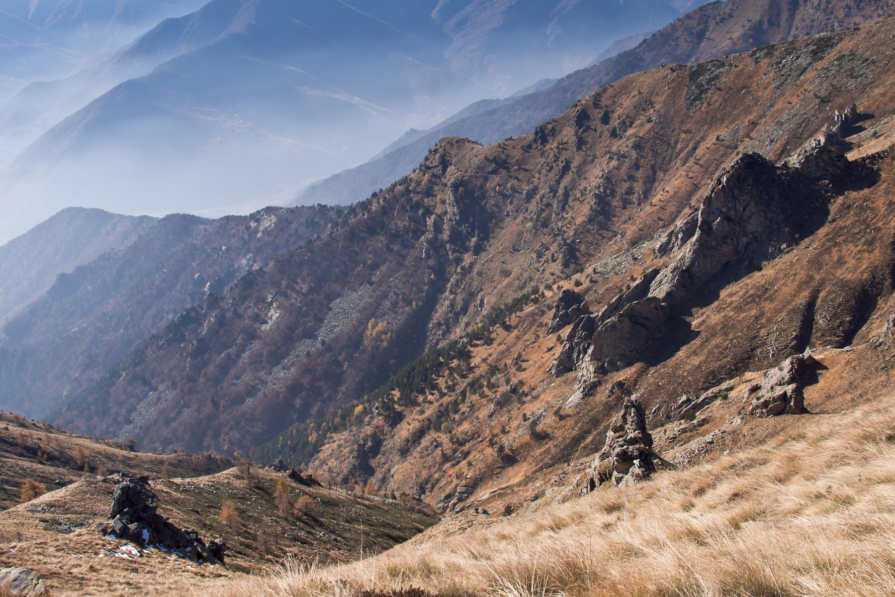 Aquila (Punta dell') da Serre Moretto, anello per Monte Muretto, Cugno Alpet, Punta Meina, Merla, Cucetto 2015-11-01