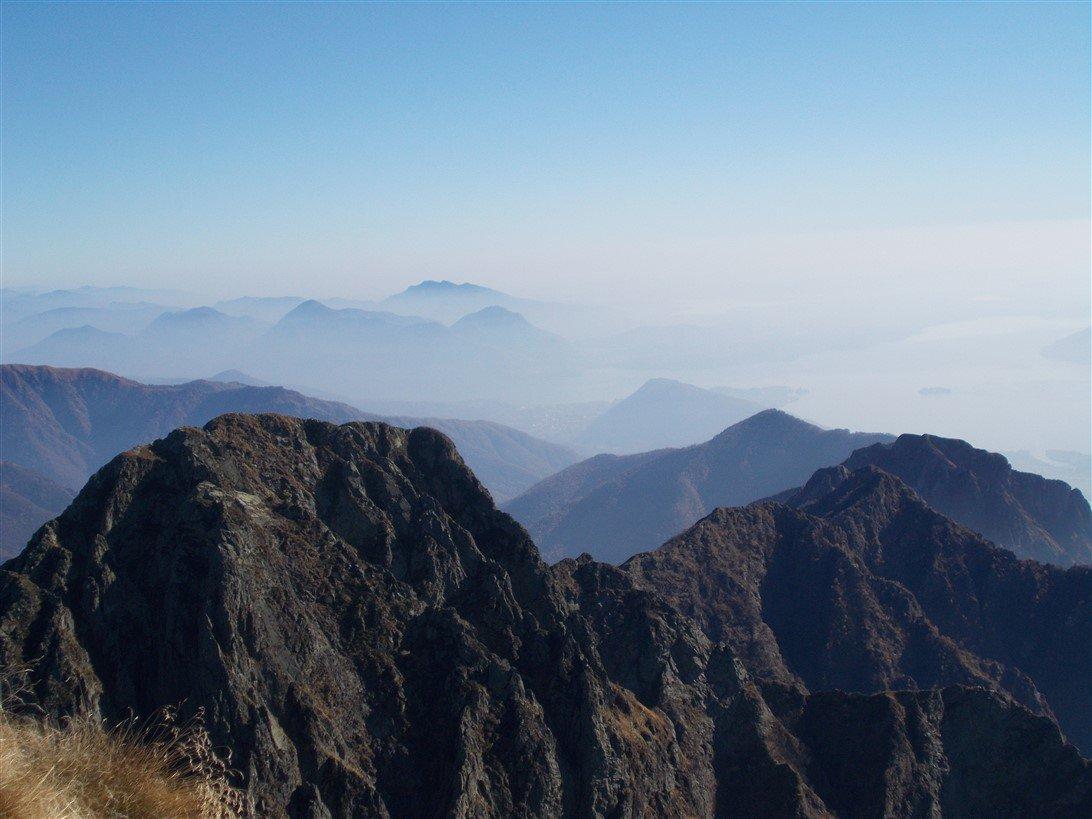 Pizzo Lesino e Corni di Nibbio: cresta confine Valgrande