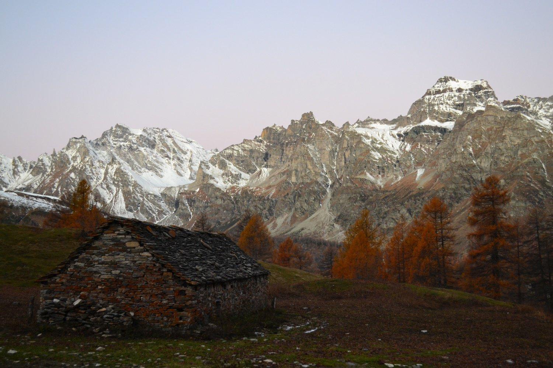 Alpe Fontane con Helsenhorn e Cervandone sullo sfondo