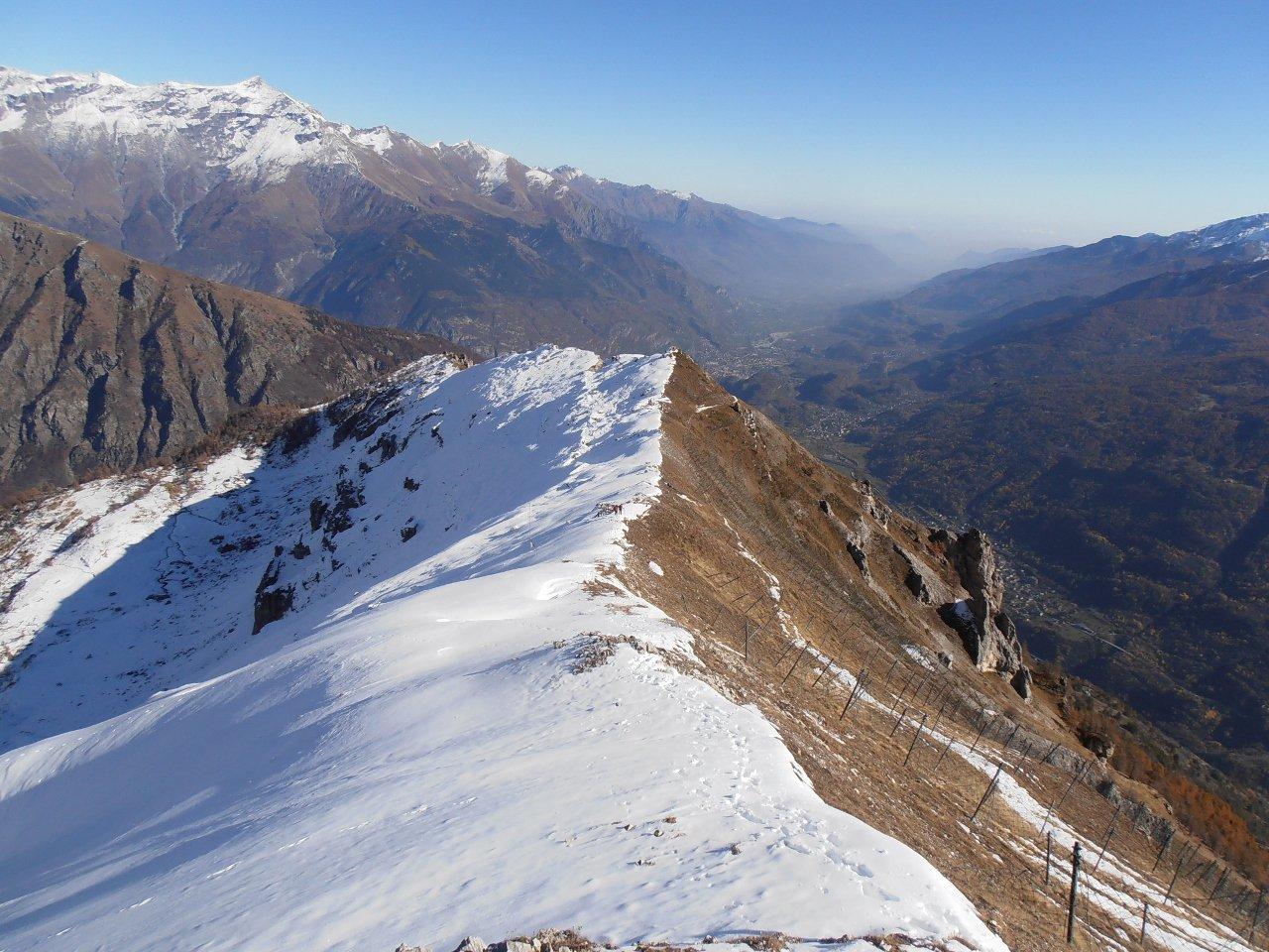 02 - Dalla cima del Vallone tutta la cresta fino ai Denti di Chiomonte