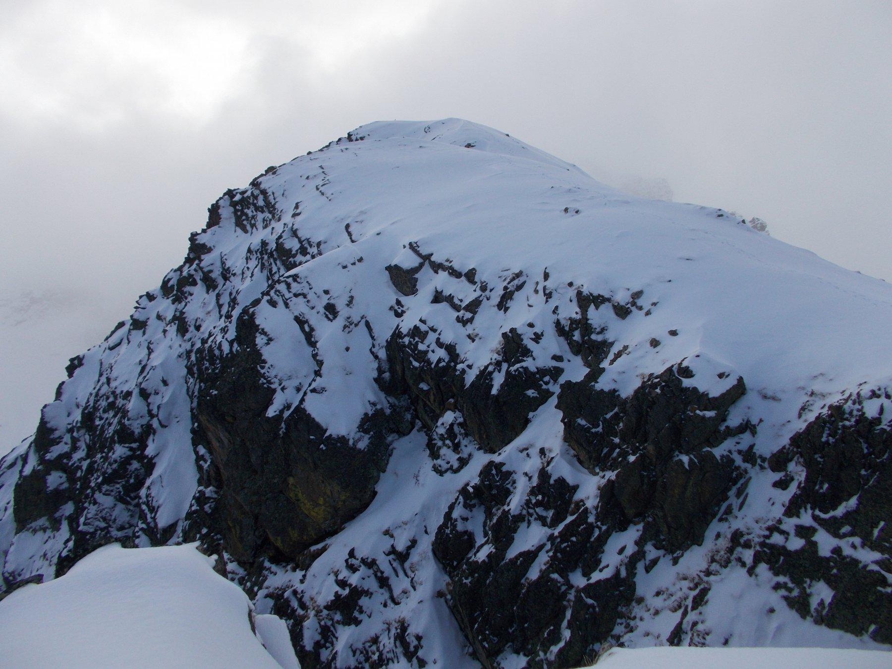 il Becco alto di Rostagno dalla cima est..