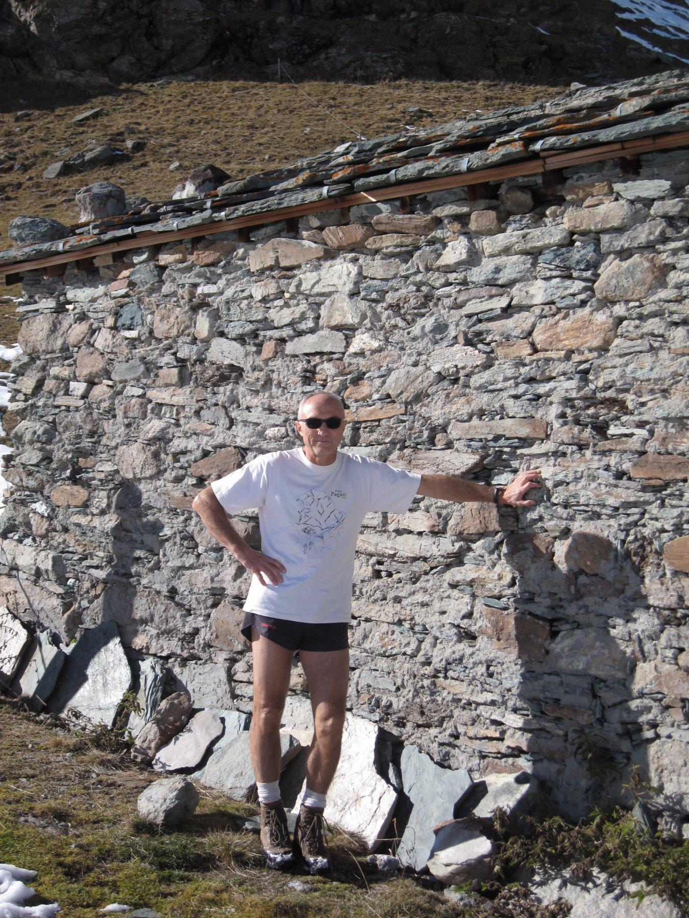 Lodo e il vecchio rifugio Alpetto
