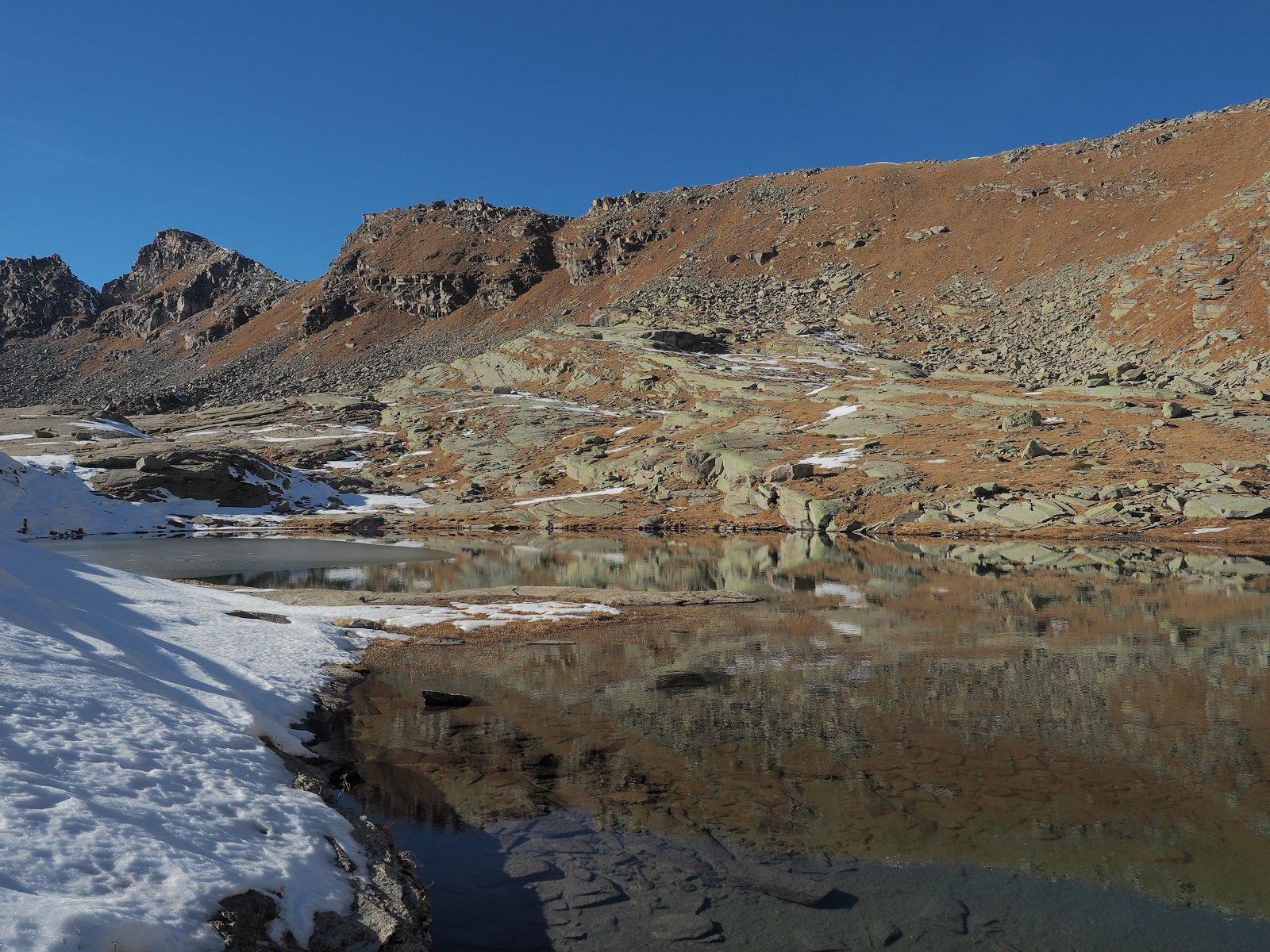 Lago della Vercellina con neve.