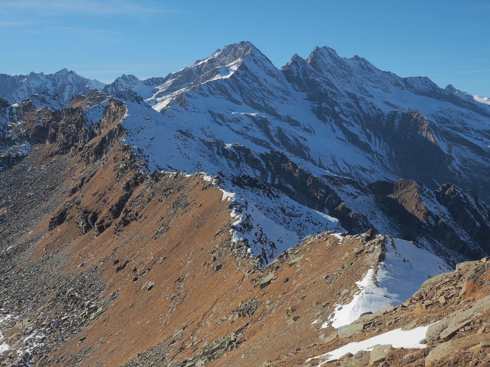 Profilo di cresta tra Val Grande e Valle Orco vista dal colle della Terra Fertà.