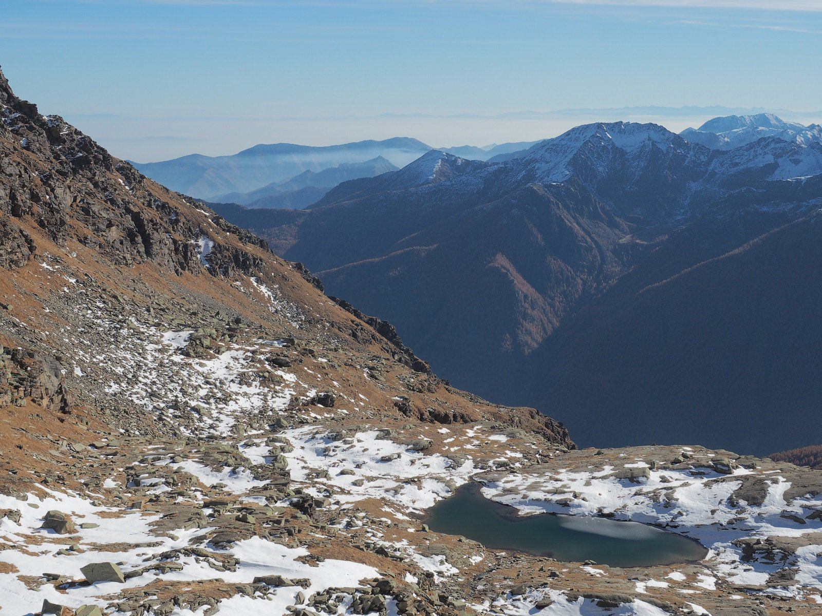 Il lago Vercellina dal colle della Crocetta.