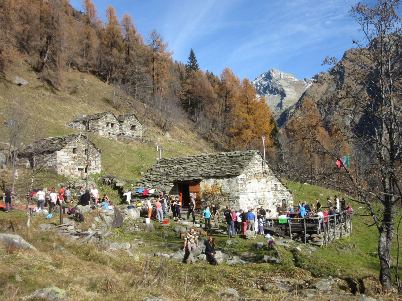 Tanti escursionisti all'Alpe Grignasco