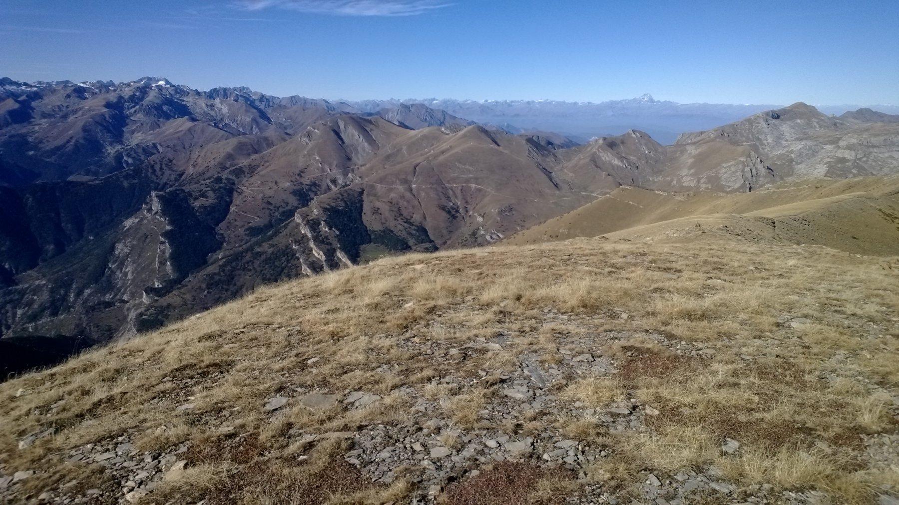 Panorama verso i monti  2