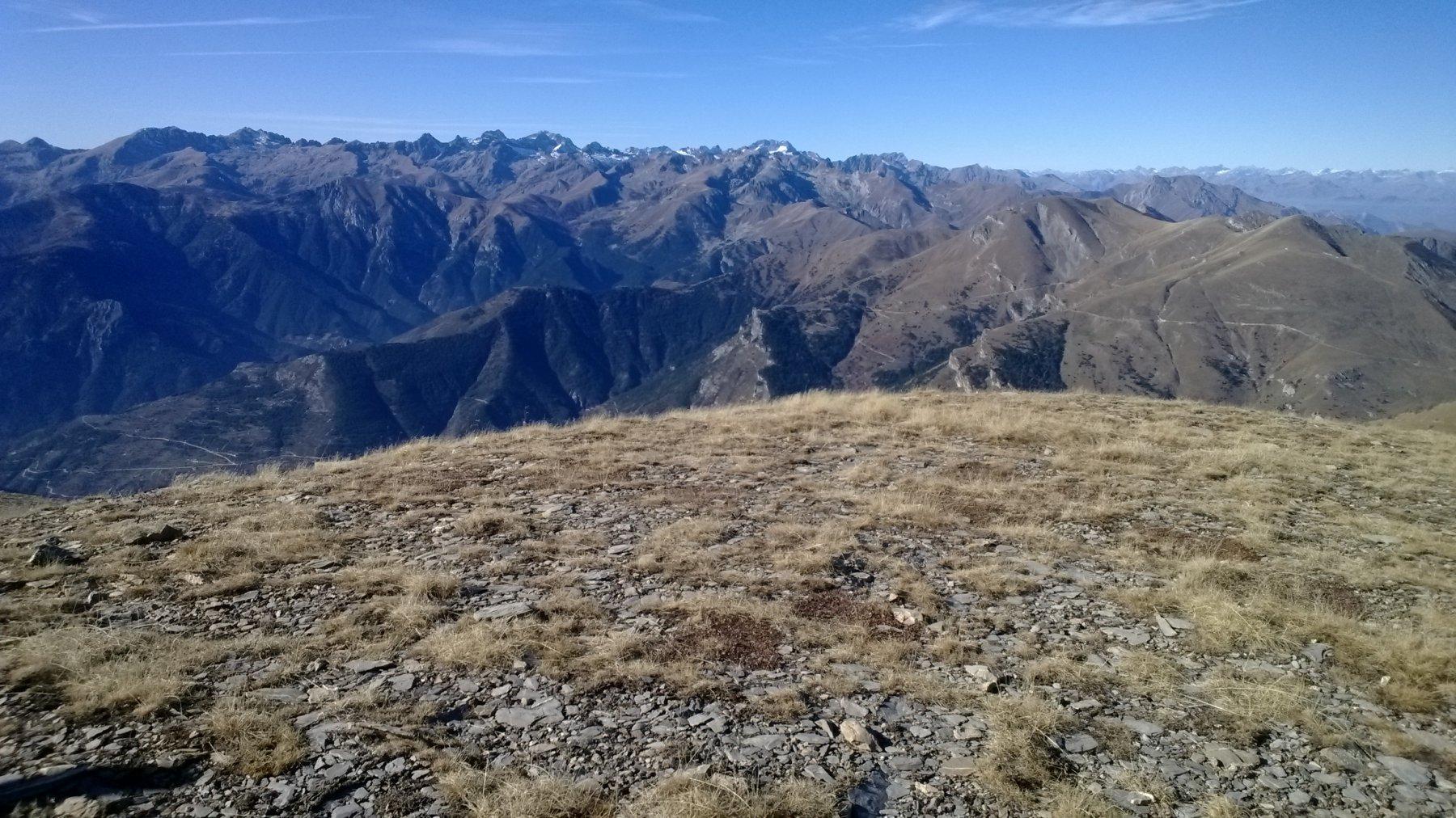 Panorama verso i monti 1